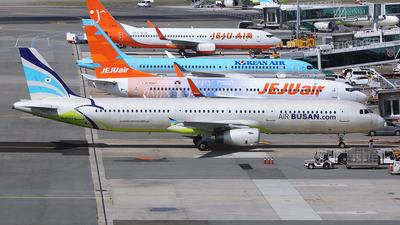 HL8365 - Airbus A321-231 - Air Busan