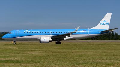 A picture of PHEZT - Embraer E190STD - KLM - © Ian McGregor