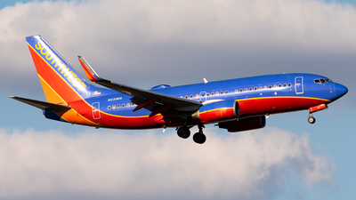 A picture of N231WN - Boeing 7377H4 - Southwest Airlines - © Michael Place