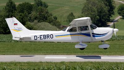 D-EBRO - Cessna 172S Skyhawk SP - Private