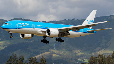 A picture of PHBQL - Boeing 777206(ER) - KLM - © Martin Blanco C