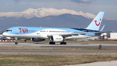 A picture of GOOBB - Boeing 75728A - TUI fly - © Martina Olivati