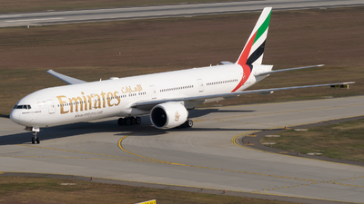 A6-ENA - Boeing 777-31HER - Emirates