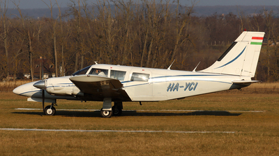 HA-YCI - Piper PA-34-200 Seneca - CAVOK Aviation Training