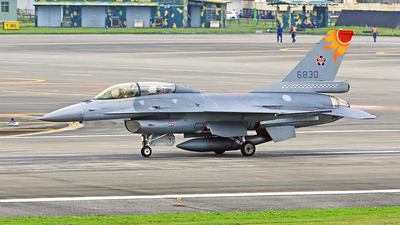 6830 - General Dynamics F-16B Fighting Falcon - Taiwan - Air Force