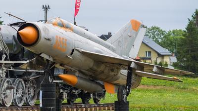 8055 - Mikoyan-Gurevich MiG-21MF Fishbed J - Poland - Air Force