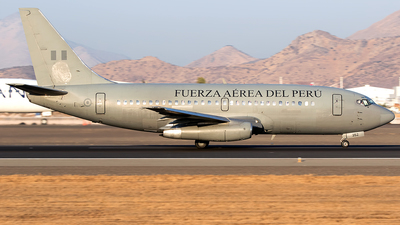 FAP352 - Boeing 737-282(Adv) - Perú - Air Force