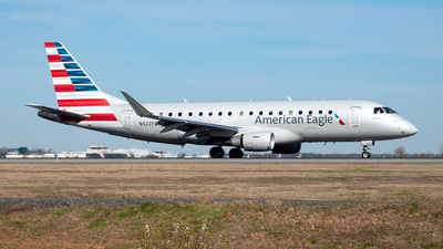 A picture of N422YX - Embraer E175LR - American Airlines - © Yan777