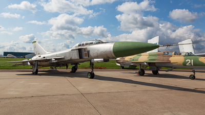 72 - Sukhoi Su-15UT Flagon - Russia - Air Force