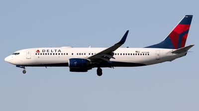 N3738B - Boeing 737-832 - Delta Air Lines