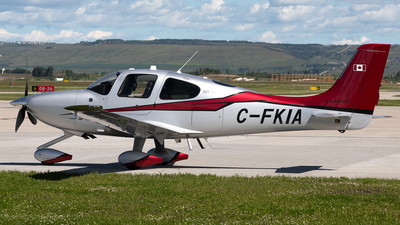 A picture of CFKIA - Cirrus SR22T - [0899] - © Mike MacKinnon