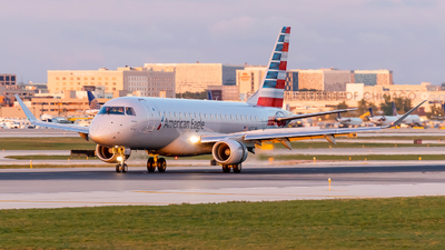 A picture of N232NN - Embraer E175LR - American Airlines - © Haocheng Fang