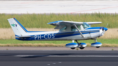 PH-CDS - Cessna 152 - Private