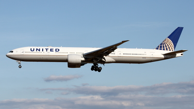 N2534U - Boeing 777-322ER - United Airlines
