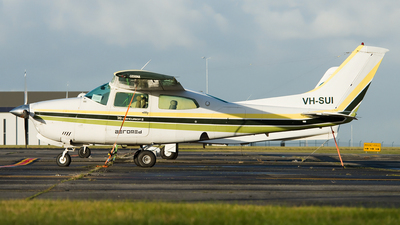 A picture of VHSUI - Cessna T210N Turbo Centurion - [21063435] - © George Canciani