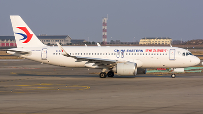 B-30AX - Airbus A320-251N - China Eastern Airlines