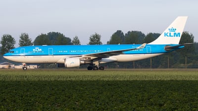 PH-AOB - Airbus A330-203 - KLM Royal Dutch Airlines