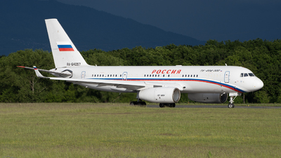 A picture of RA64057 - Tupolev Tu204300 - Rossiya  Special Flight Squadron - © Este_Aranda