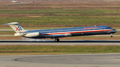 N7546A - McDonnell Douglas MD-82 - American Airlines