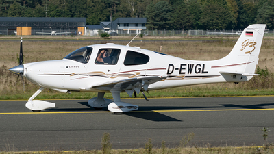 D-EWGL - Cirrus SR22-GTS G3 - Private