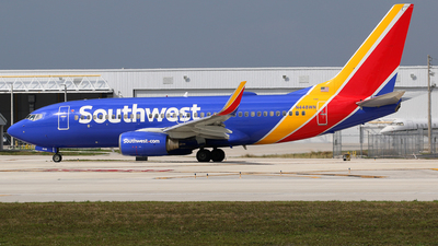 N448WN - Boeing 737-7H4 - Southwest Airlines