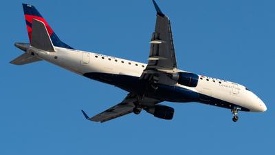 A picture of N233JQ - Embraer E175LR - Delta Air Lines - © Luis Bastardo