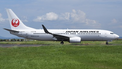 JA320J - Boeing 737-846 - Japan Airlines (JAL)