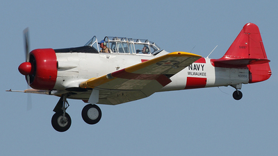 N3195G - North American SNJ-5 Texan - Private