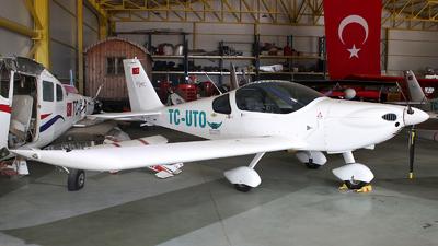 TC-UTO - Tomark Viper SD-4 - Private