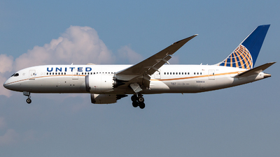 A picture of N30913 - Boeing 7878 Dreamliner - United Airlines - © Tomasz Kozakowski