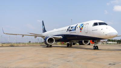 A picture of PRAYK - Embraer E195AR - Azul Linhas Aereas - © Gabriel Melo