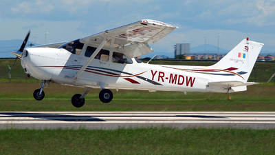 A picture of YRMDW - Cessna C172 - [172S10402] - © Marin Ghe.