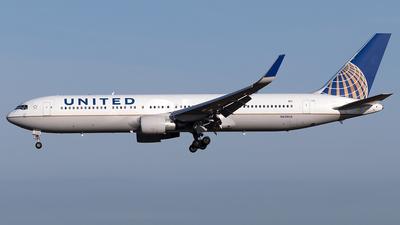 N658UA - Boeing 767-322(ER) - United Airlines