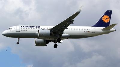 A picture of DAINI - Airbus A320271N - Lufthansa - © M. Raykahn Ariga