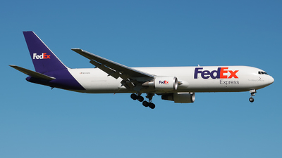 A picture of N146FE - Boeing 7673S2F(ER) - FedEx - © Angel Natal