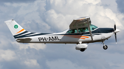 PH-AML - Cessna 182R Skylane II - Private