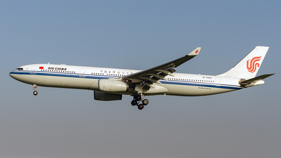 B-5901 - Airbus A330-343 - Air China