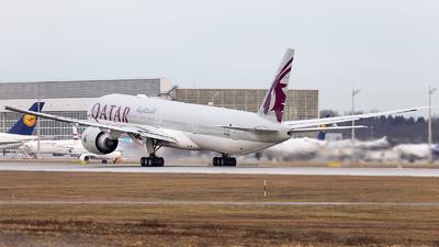 A picture of A7BEK - Boeing 7773DZ(ER) - Qatar Airways - © Loredana Cioclei