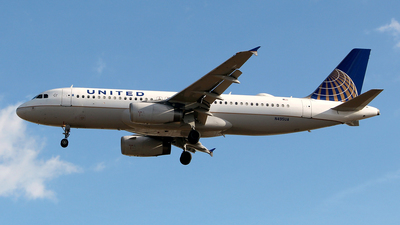 N495UA - Airbus A320-232 - United Airlines
