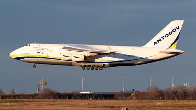 A picture of UR82072 - Antonov An124100150 - Antonov Design Bureau - © Julian Azeroth