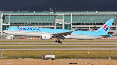 HL8347 - Boeing 777-3B5ER - Korean Air