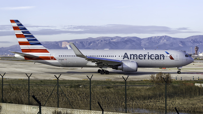N348AN - Boeing 767-323(ER) - American Airlines