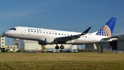 A picture of N118SY - Embraer E175LR - United Airlines - © Maximilian Gruber