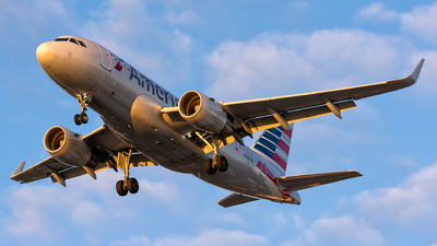 N9013A - Airbus A319-115 - American Airlines