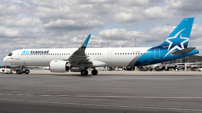 A picture of CGOIH - Airbus A321271NX - Air Transat - © Guy Langlois