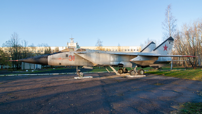 31 - Mikoyan-Gurevich MiG-31 Foxhound - Russia - Air Force