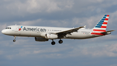 A picture of N973UY - Airbus A321231 - American Airlines - © Chris Popovich