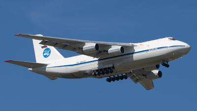 A picture of RA82013 - Antonov An124100 -  - © Zongzha_Kaiguan