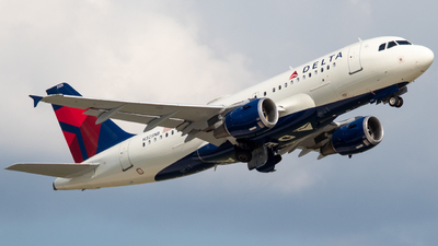 A picture of N325NB - Airbus A319114 - Delta Air Lines - © Will Fibich