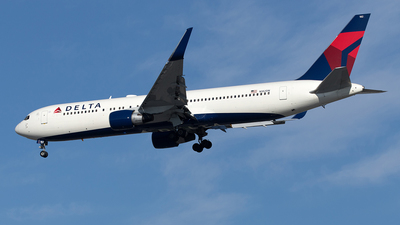 A picture of N182DN - Boeing 767332(ER) - Delta Air Lines - © Yixin Chen